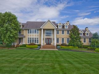 12 Country Club Ln, Colts Neck, NJ 07722
