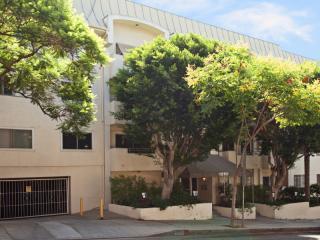 1250 N Kings Rd #209, West Hollywood, CA 90069