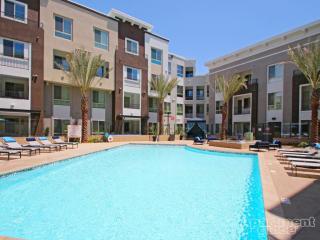 5550 Grosvenor Blvd, Los Angeles, CA 90066