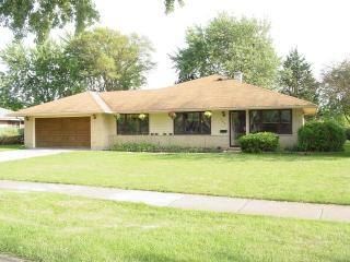 303 W Maude Ave, Arlington Heights, IL 60004