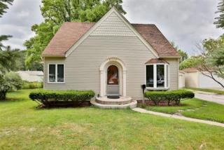8942 E Delaware Pkwy, Munster, IN 46321