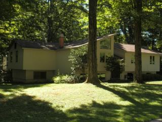 7908 Glenbrook Dr, Lysander, NY 13027