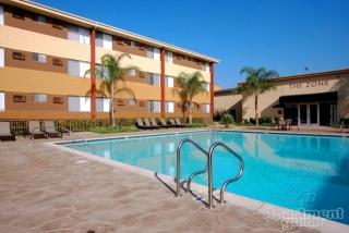 9500 Zelzah Ave, Northridge, CA 91325