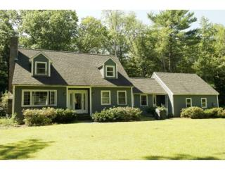 46 Rocky Point Dr, Bow, NH 03304