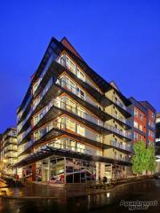 330 3rd Ave W, Seattle, WA 98119