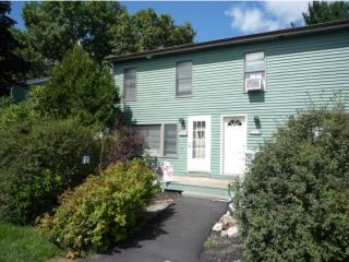 709 Piscassic St, Newmarket, NH 03857