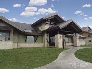 13601 Foster St, Overland Park, KS 66223