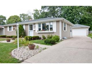 946 Coppens Rd, Green Bay, WI 54303