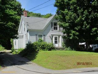 308 Maine Ave, Farmingdale, ME 04344