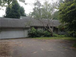 599 Country Club Rd, Avon, CT 06001