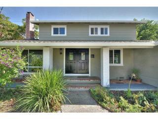 5068 Howes Ln, San Jose, CA 95118