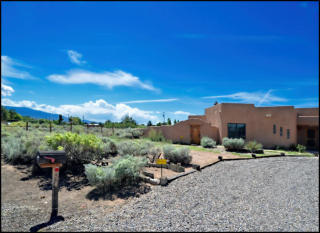 130 Sagebrush Dr, Corrales, NM 87048