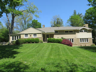 1007 Evergreen Rd, Anchorage, KY 40223