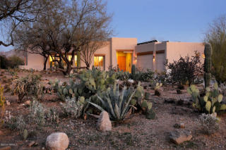 5200 N Sabino Hills Dr, Tucson, AZ 85749