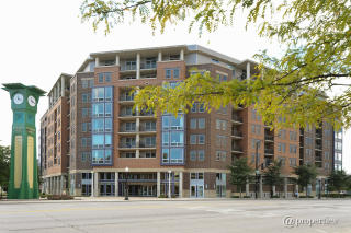 437 W Division St #506, Chicago, IL 60610