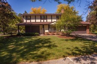 1501 Pine Valley Blvd, Ann Arbor, MI 48104