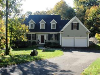 42 S Winds Dr, Essex, CT 06426