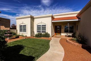 2576 Sandia Loop Ne, Rio Rancho, NM 87144