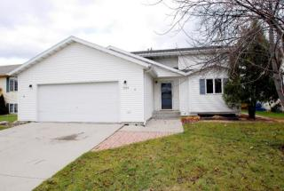 5174 8th Ave N, Grand Forks, ND 58203