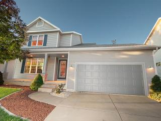 6906 Dominion Dr, Madison, WI 53718