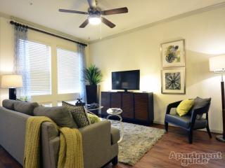 1333 Shore District Dr, Austin, TX 78741