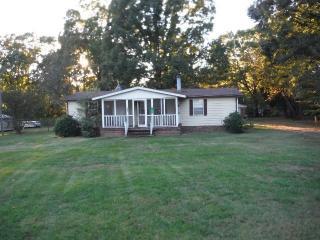 160 Honeysuckle Ln, Salisbury, NC 28146