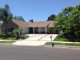 245 Kanan Rd, Oak Park, CA 91377