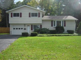 115 Riverdale Rd, Liverpool, NY 13090