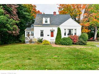 47 Griswold St, Glastonbury, CT 06033