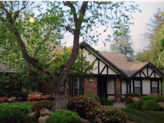 2212 W Birch Ave, Fresno, CA 93711