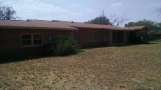 720 South Walnut Street, Pearsall TX
