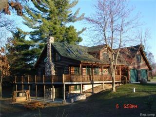 8328 White Pine Ridge, Harrison MI