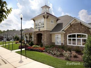 2000 Crossroads Manor Ct, Cary, NC 27518