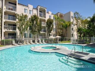 7681 Palmilla Dr, San Diego, CA 92122