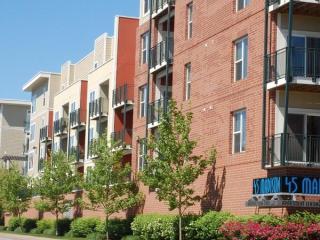 4445 Madison Ave, Kansas City, MO 64111