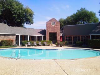 1735 Rutland Dr, Austin, TX 78758