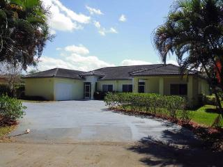 8798 NW 35th St, Coral Springs, FL 33065