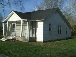 105 Davis, Colp, IL 62921