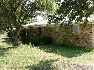 202 S Spencer St, Kirk, TX 76664