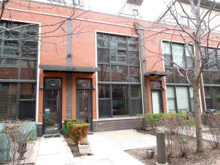 927 North Howe Street, Chicago IL