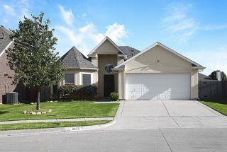 8613 Lariat Circle, Fort Worth TX