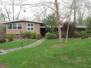 5 Henry Drive, Chatham Township NJ