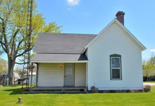 209 S Middle St, Buffalo, IN 47925