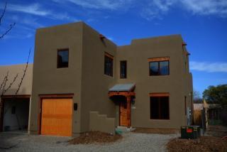 406B Apache Street, Taos NM