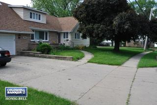416 South McHenry Avenue, Crystal Lake IL