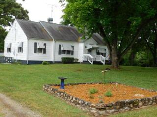 5033 Harmony Rd, Alton, VA 24520