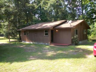 889 County Road 2703, Shelbyville, TX 75973