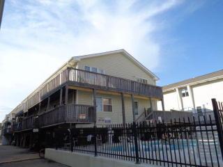 344 Beach Rd, Gulf Shores, AL 36542
