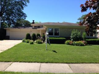 1521 Manor Ln, Park Ridge, IL 60068