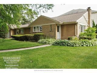 7125 North East Prairie Road, Lincolnwood IL